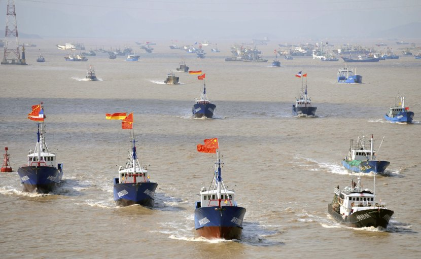 """I """"piccoli uomini blu"""" della Cina nelle acque dell'Indonesia"""